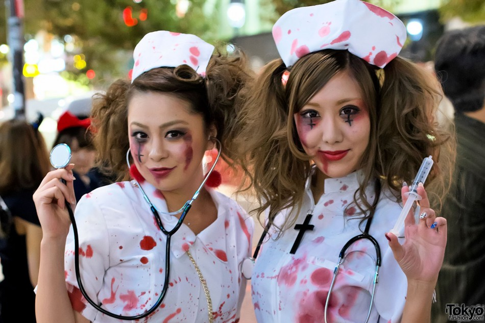 Halloween-in-Japan-Shibuya-Costumes-13-092